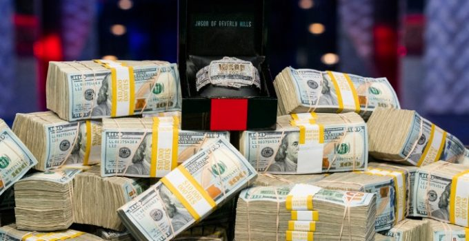 Peraih Pundi-Pundi Uang